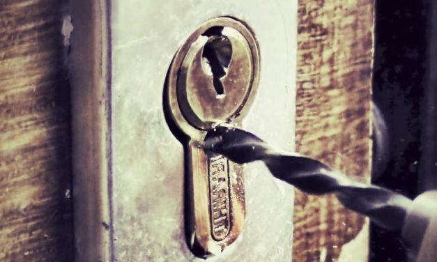 Bricolage toutes les astuces pour bricoler dans votre maison - Comment reboucher une porte ...
