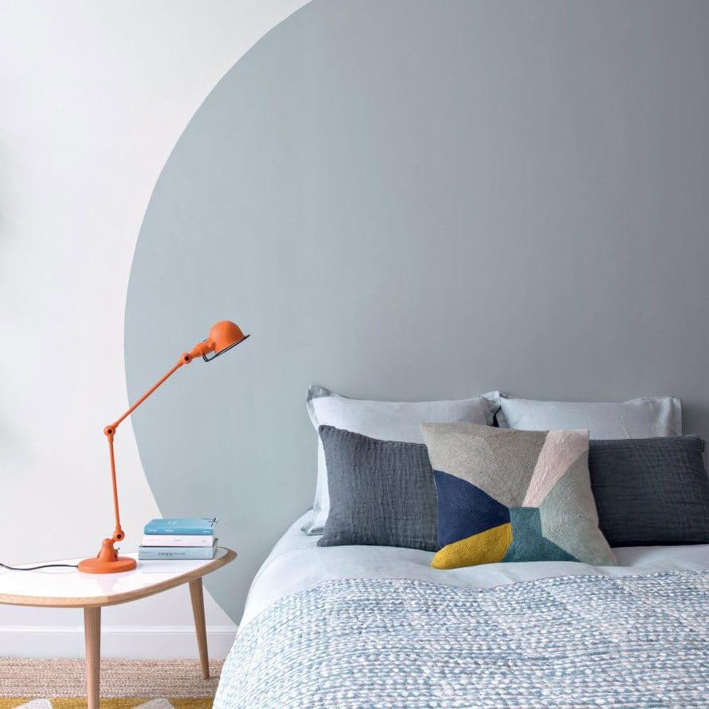 Chambre gris blanc oreiller
