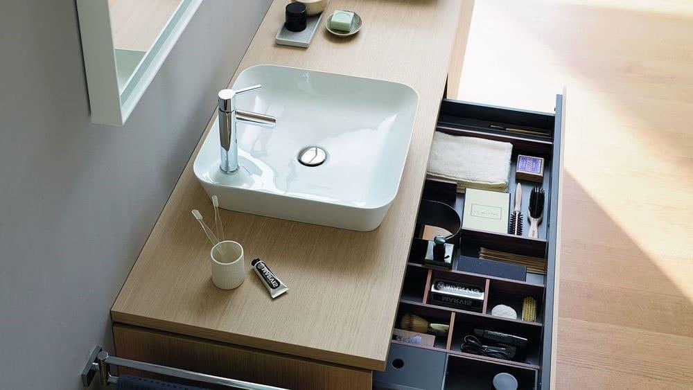 Vasque suspendue avec rangement pour salle de bain
