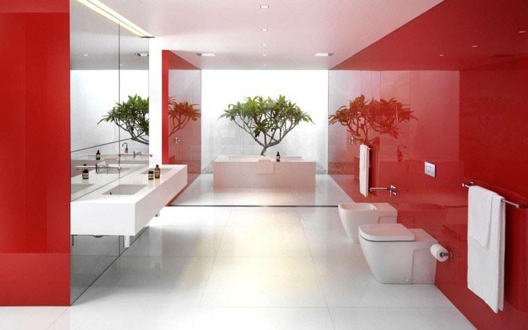 ambiance salle de bain rouge