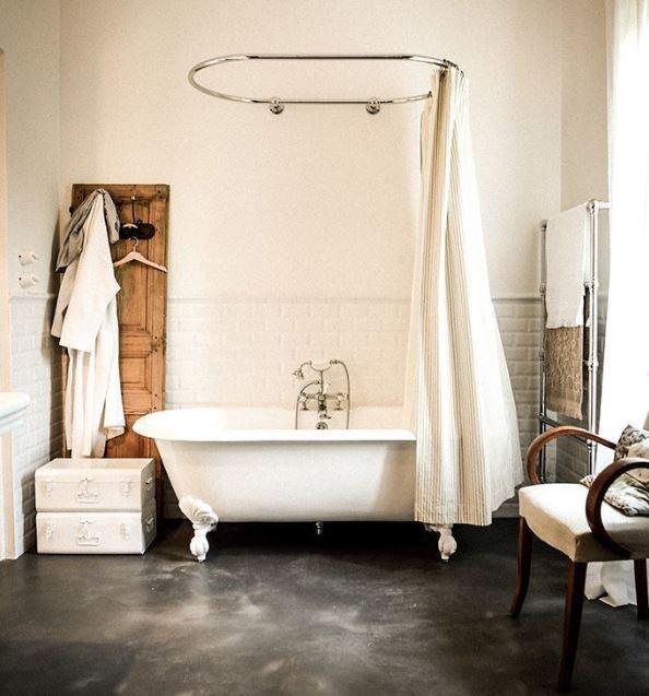 baignoire à l'ancienne retro