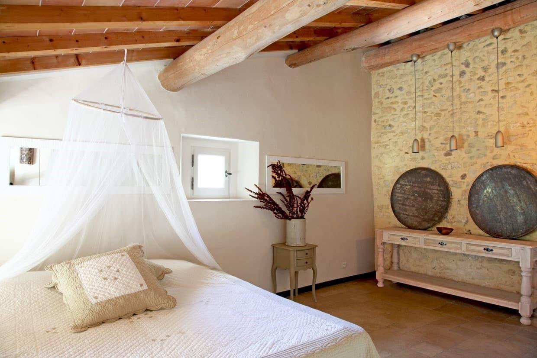 chambre romantique pour adulte avec voilages