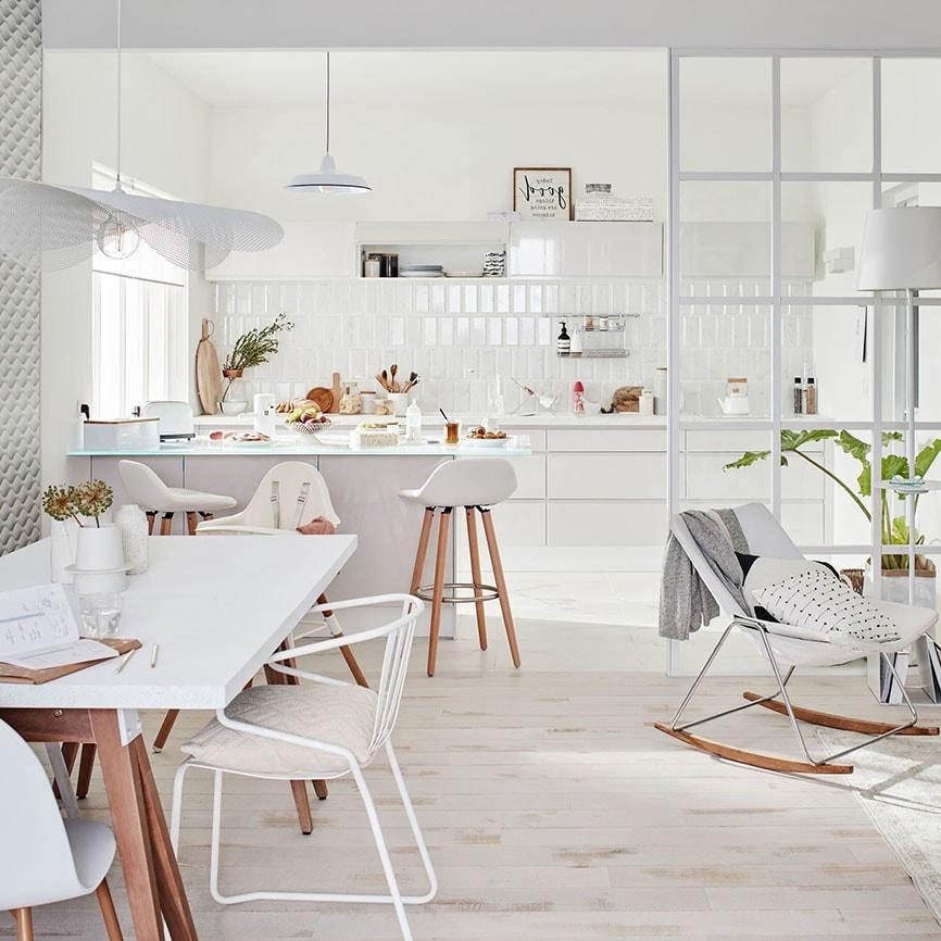 cuisine ouverte sur salon photos et conseils d. Black Bedroom Furniture Sets. Home Design Ideas