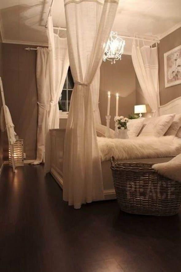 idée chambre déco adulte romantique et baldaquin