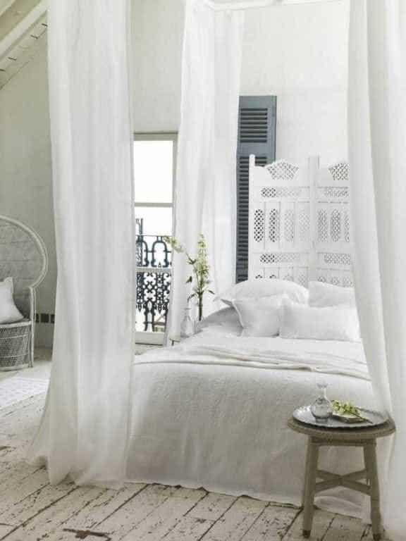 idée déco chambre romantique baldaquin