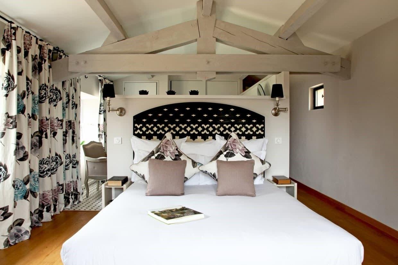 idée déco motif floral pour chambre romantique