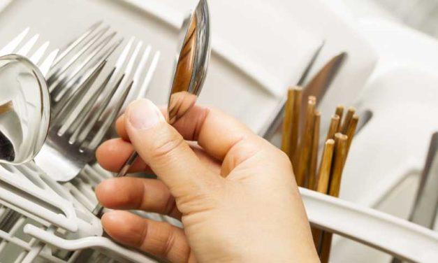 Laver de l'argenterie au lave-vaisselle : est-ce possible ?