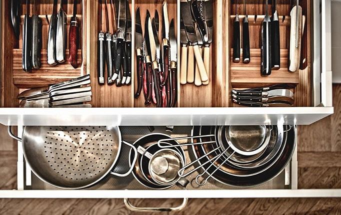 meuble cuisine rangement couverts