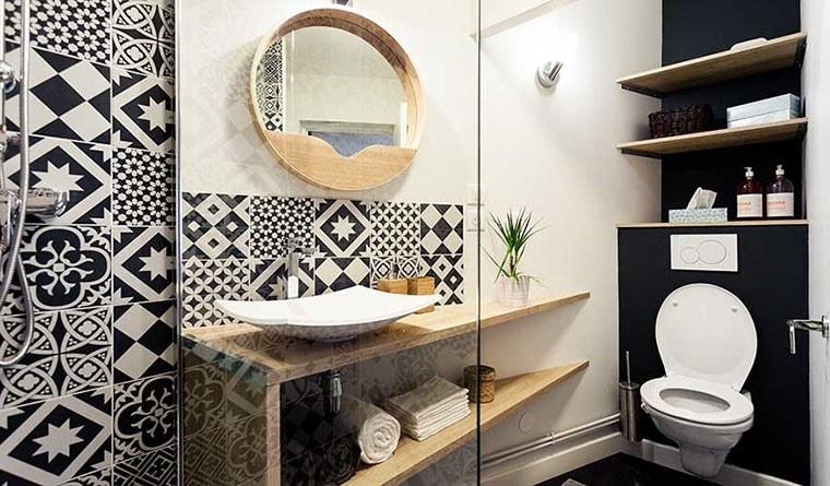 mosaique noires salle de bain