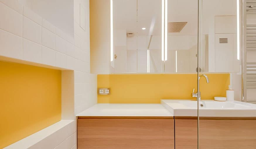peinture jaune salle de bain