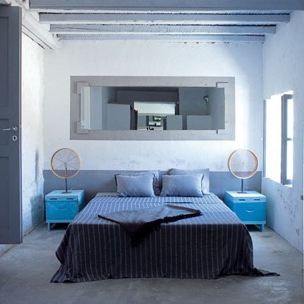 Chambre bleutée grise