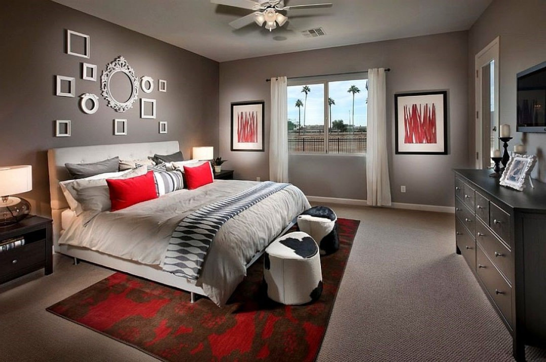 Chambre grise beige et rouge
