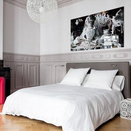 Chambre grise et blanche classique