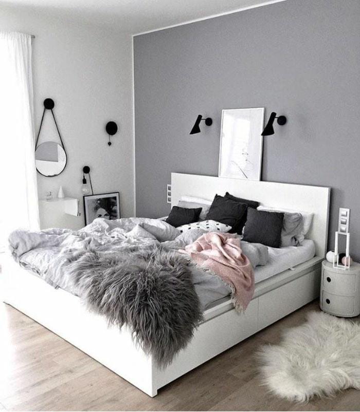 Chambre minimaliste grise