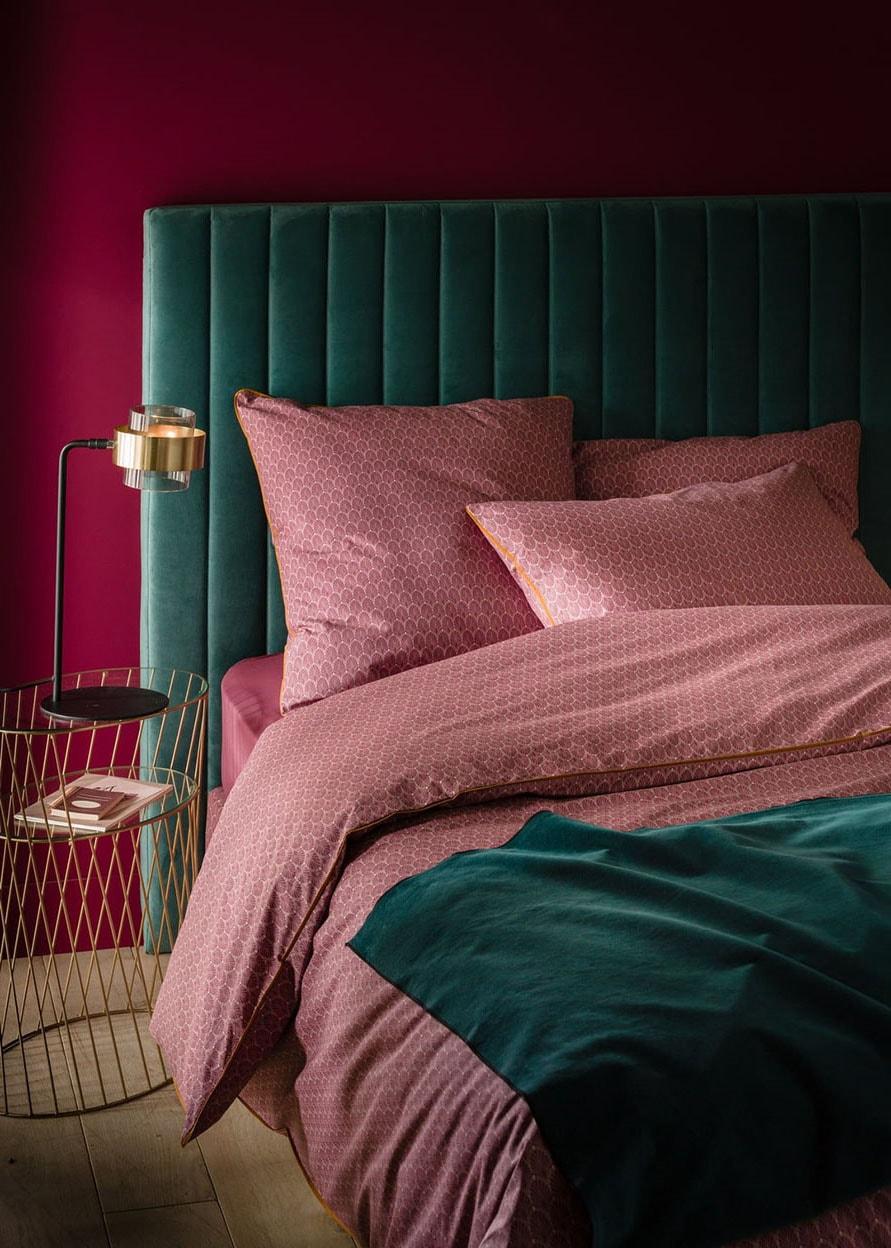Chambre verte et rose