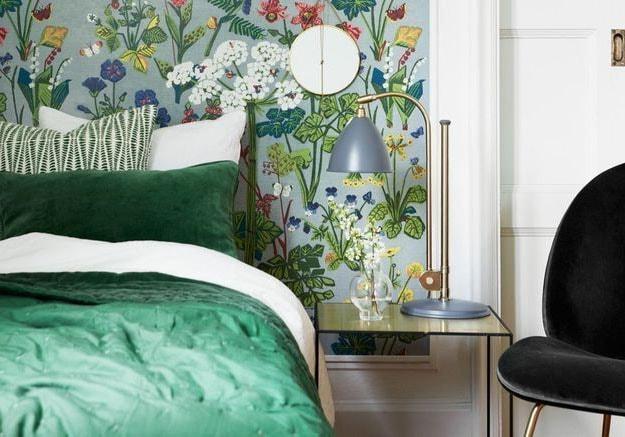 Chambre verte papier peint fleurs