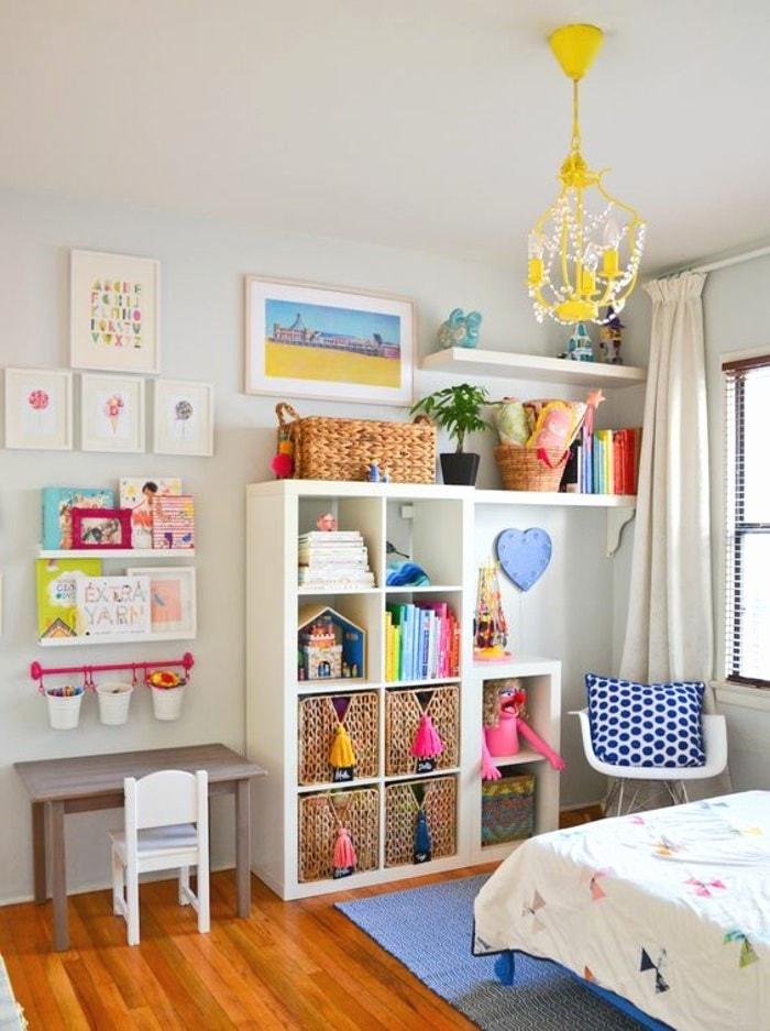 Etagère avec casier en bois pour chambre enfant