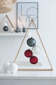 Triangle en bois boules