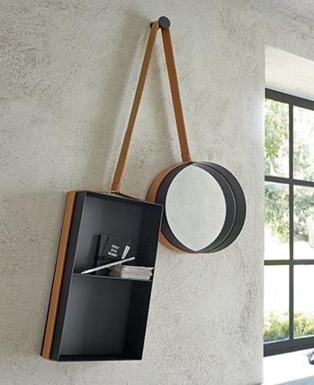 tablette et miroir assemblés en cuir