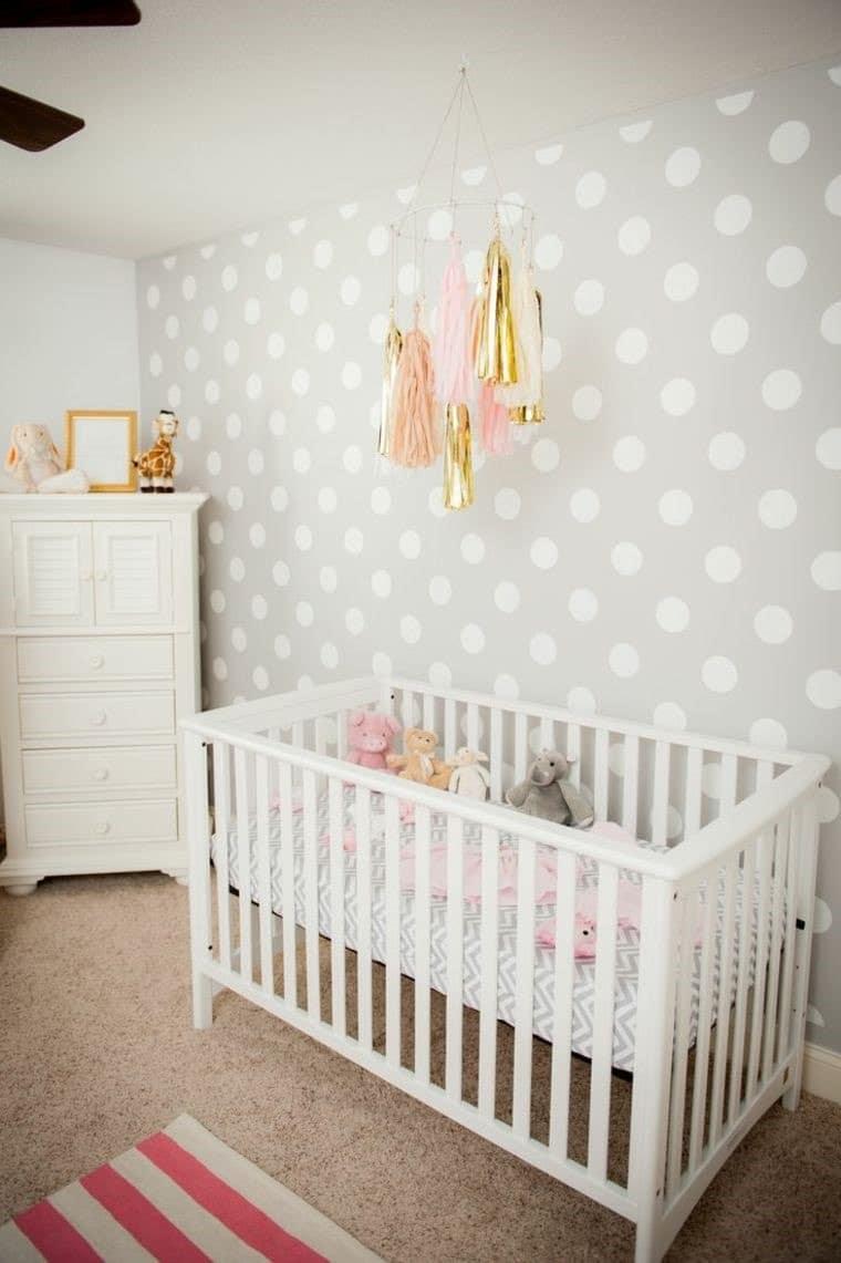 Mur papier peint chambre bébé © Pinterest