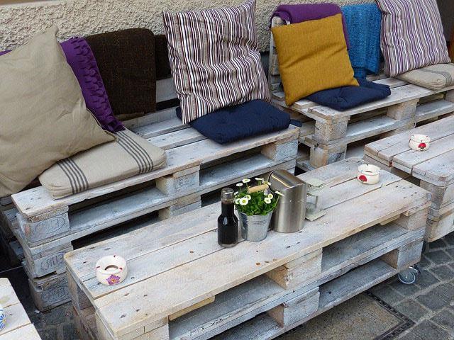 Fabriquer un salon de jardin en palette : 30 Photos et idées déco !