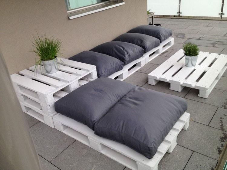 Salon jardin palettes blanc