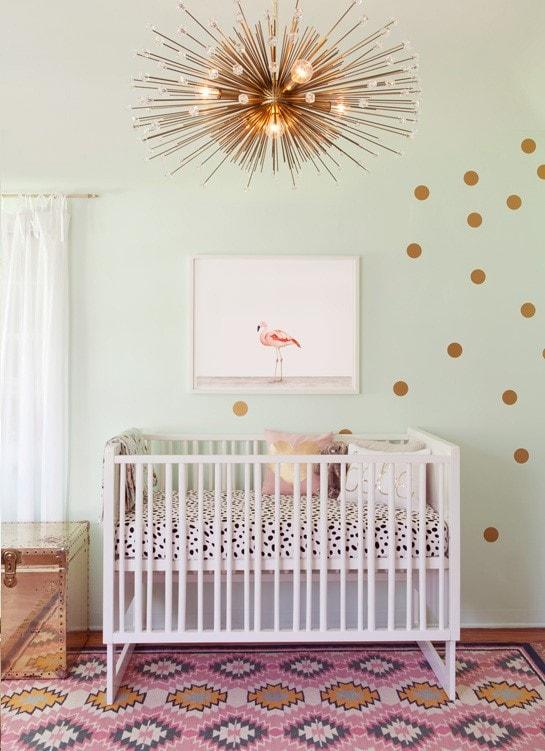 déco chambre bébé or et rose