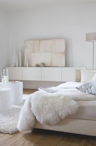 Chambre nordique blanche