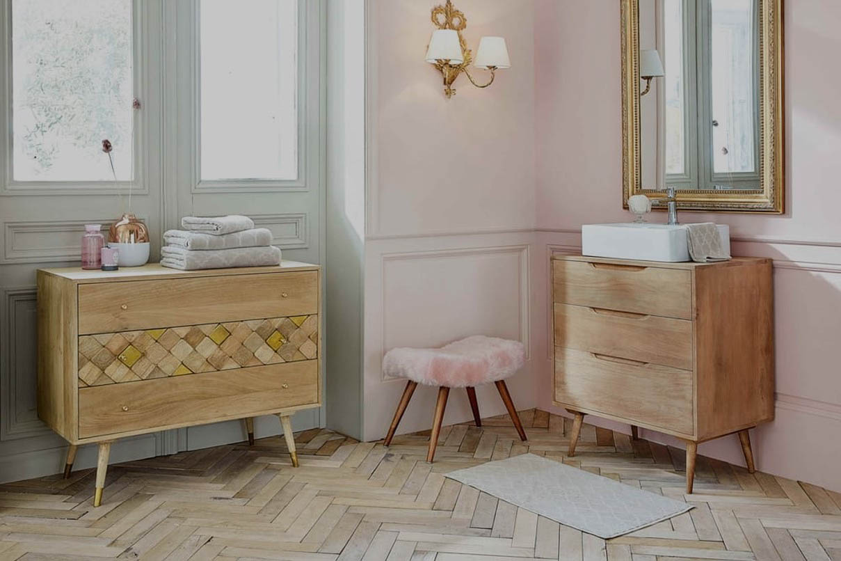 Maisons Du Monde Commode Chambre Vous Propose Un Joli Meuble Avec Ses 3  Tiroirs En Manguier Massif. Son Design Raffiné Et Légèrement Vintage, ...