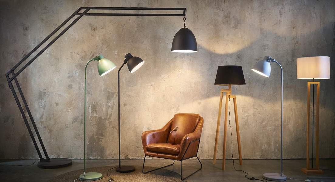Lampadaire ajustable