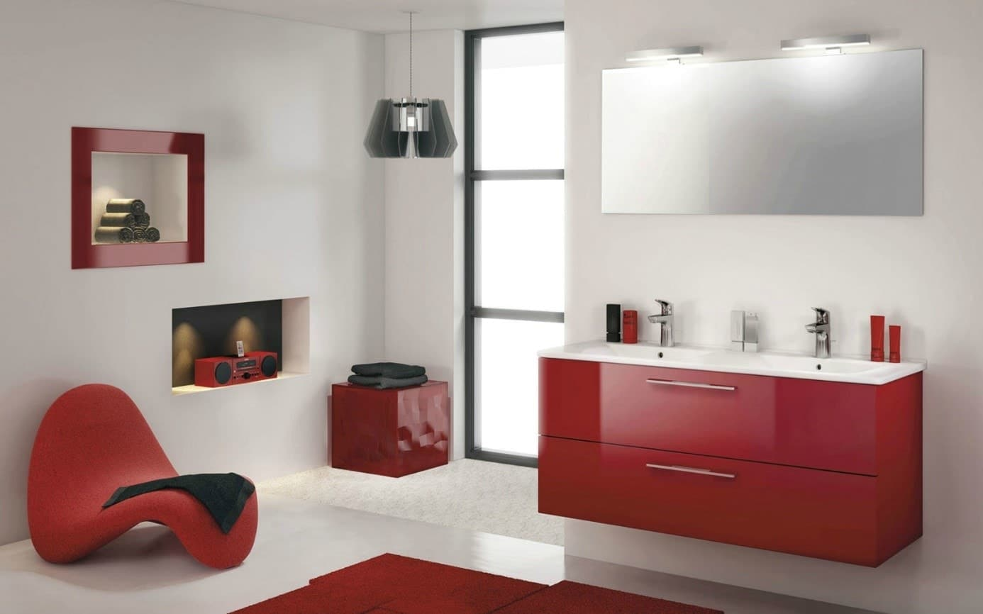 Salle de bain rouge design