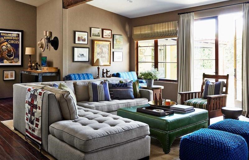 Salon brun et bleu