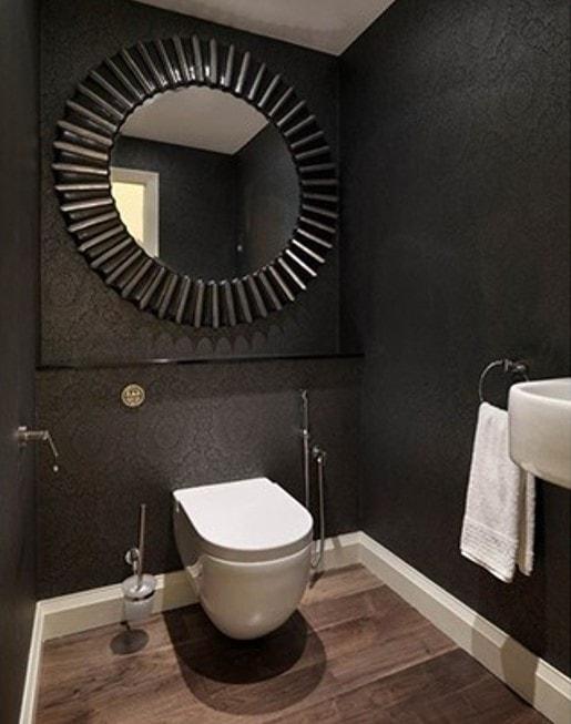 Toilettes noirs