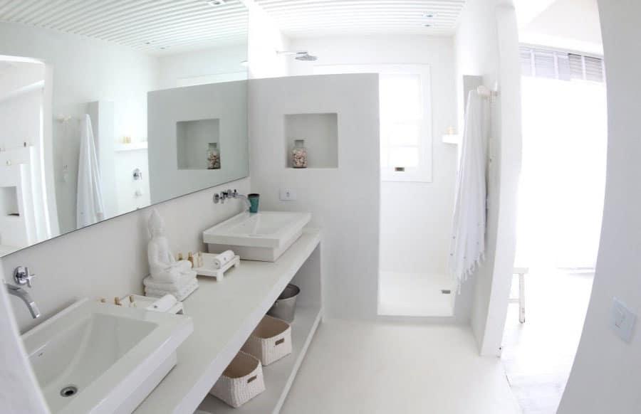 Salle de bain total look blanc