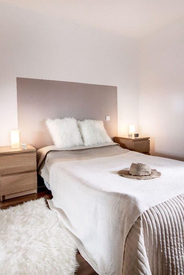 Tête de lit taupe