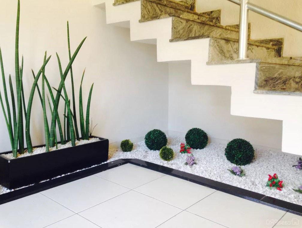 Jardin sous l'escalier