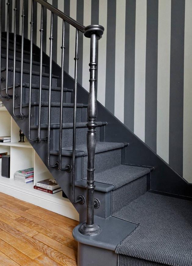 Rangements Ouverts sous escaliers