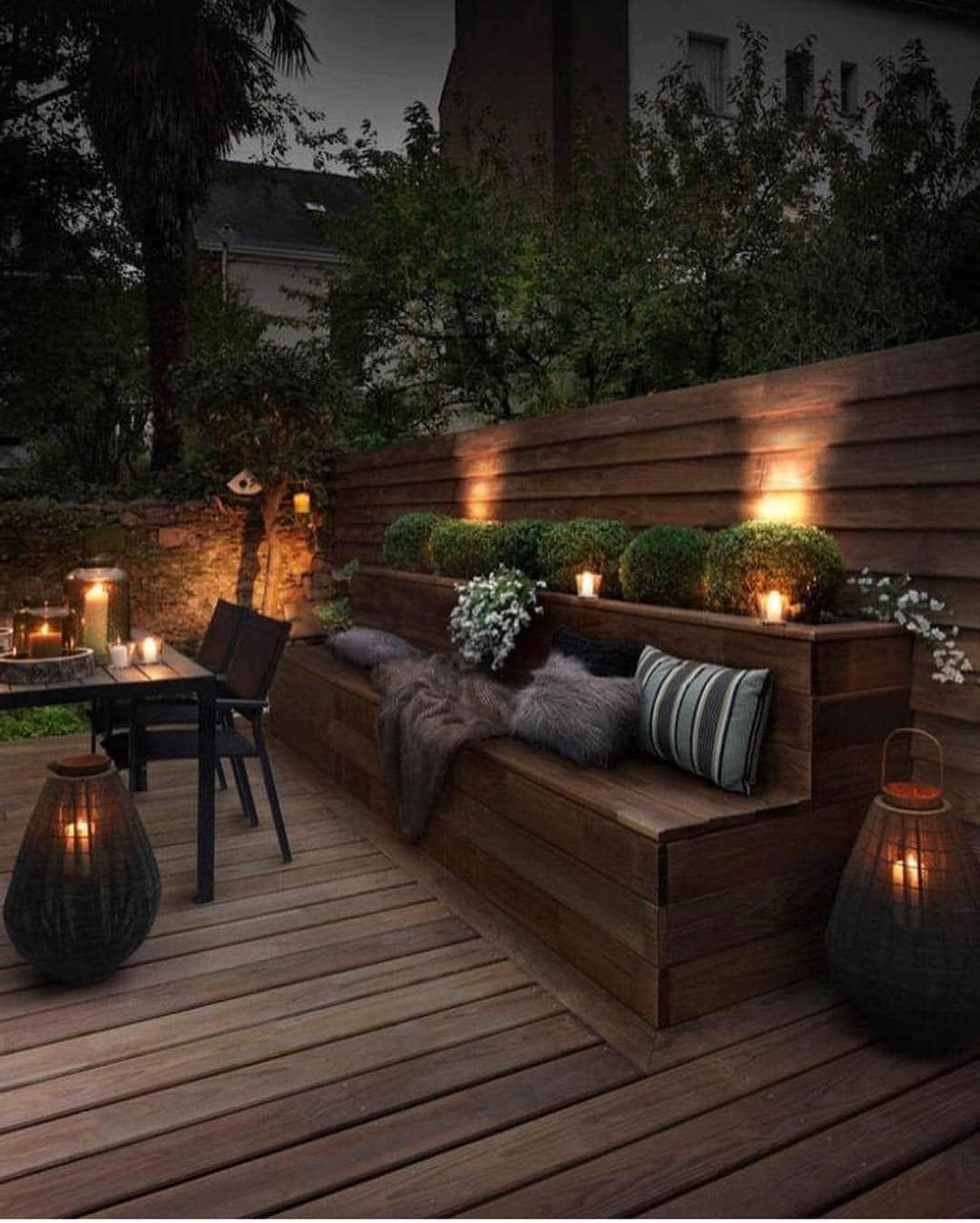 Terrasse bois illuminée