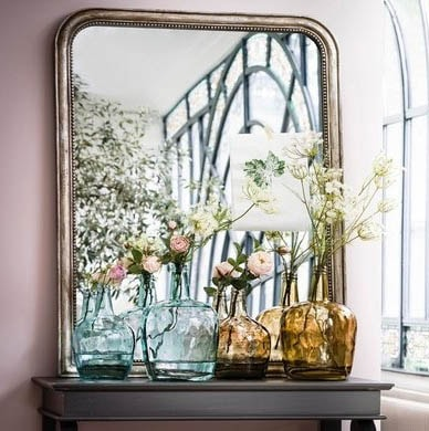 Dame Jeanne Et Miroir