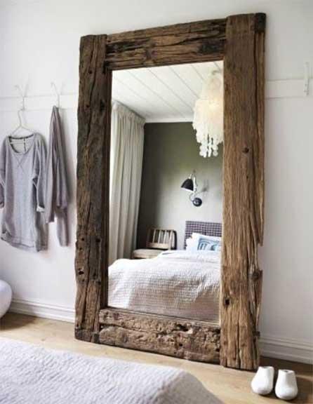 Miroir Posé Au Sol