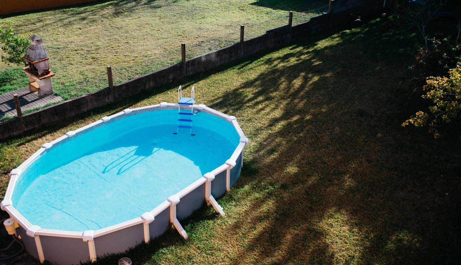 Que mettre sous une piscine hors sol les meilleurs conseils - Peut on enterrer une piscine hors sol ...