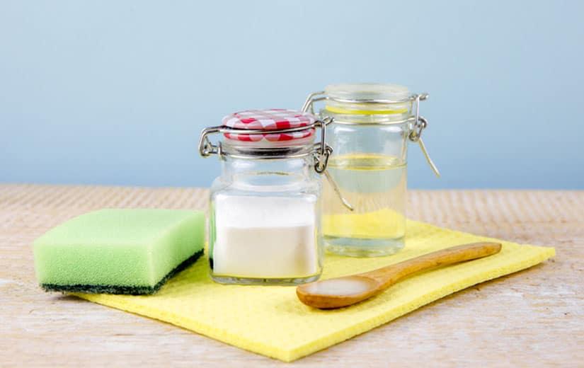 pate de mélange eau + bicarbonate de soude