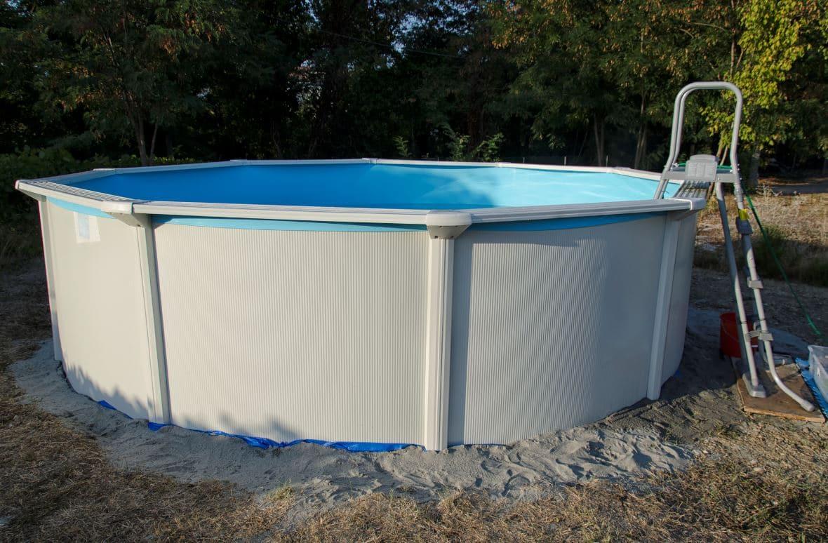 Comment Monter Une Piscine Hors Sol piscine hors sol : possible de l'installer sur du sable