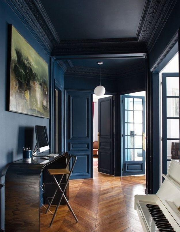 Couloir Bleu Marine