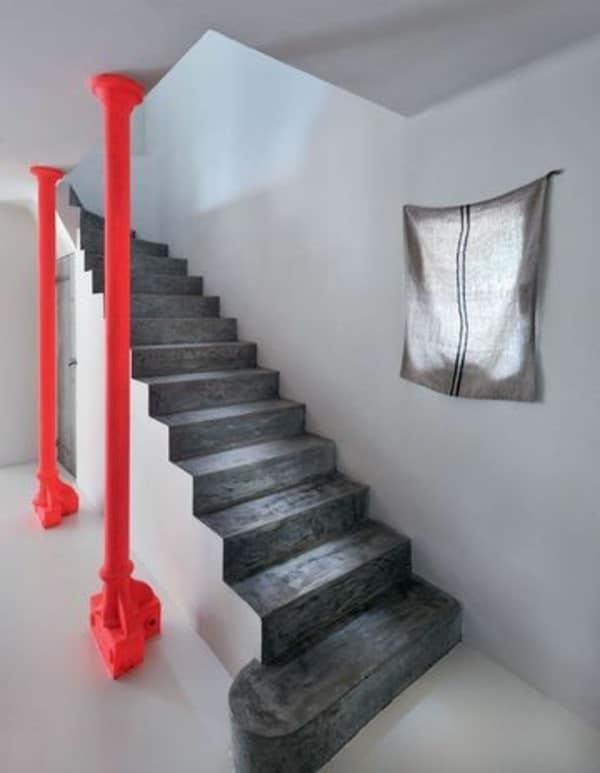 Escalier Deux Nuances De Gris