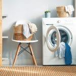 Buanderie avec machine à laver