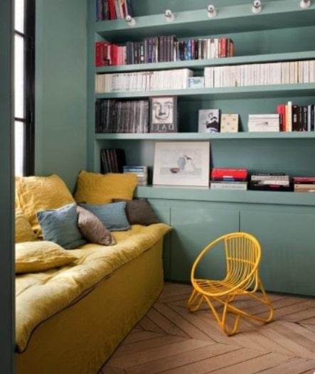 Mur Vert Et Canapé Jaune Moutarde