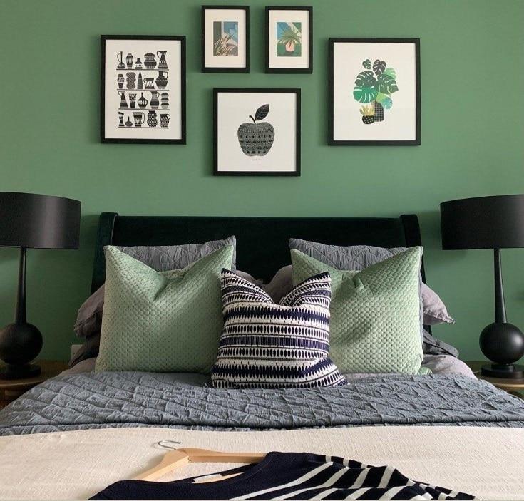 Vert Sapin, Gris Et Noire