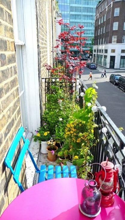 Balcon Fleuri Et Coloré