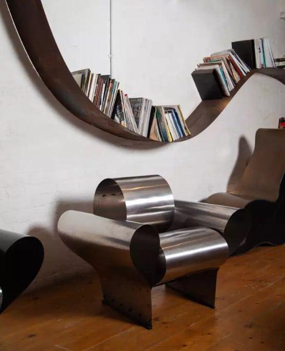 Tagère Bookworm Et Le Fauteuil Well Tempered Chair